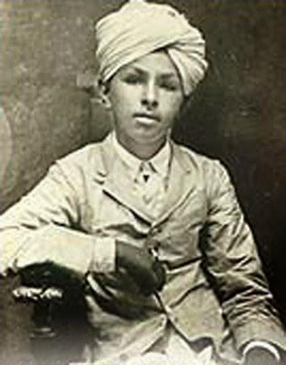 अप्रैल 1919, अमृतसर : उम्र 12, जलियांवाला की मिट्टी लेने आए