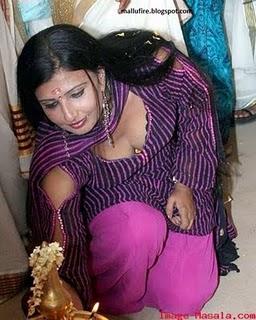 SOUTH INDIAN ACTRESS HOT Malayalam Serial Acress Hot