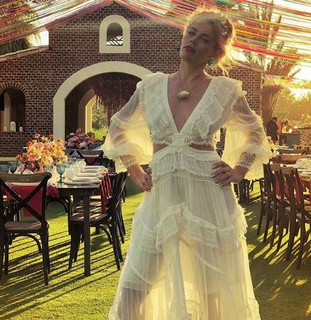 Actress, Busy Philipps marries herself in a wedding to celebrate her 40th birthday