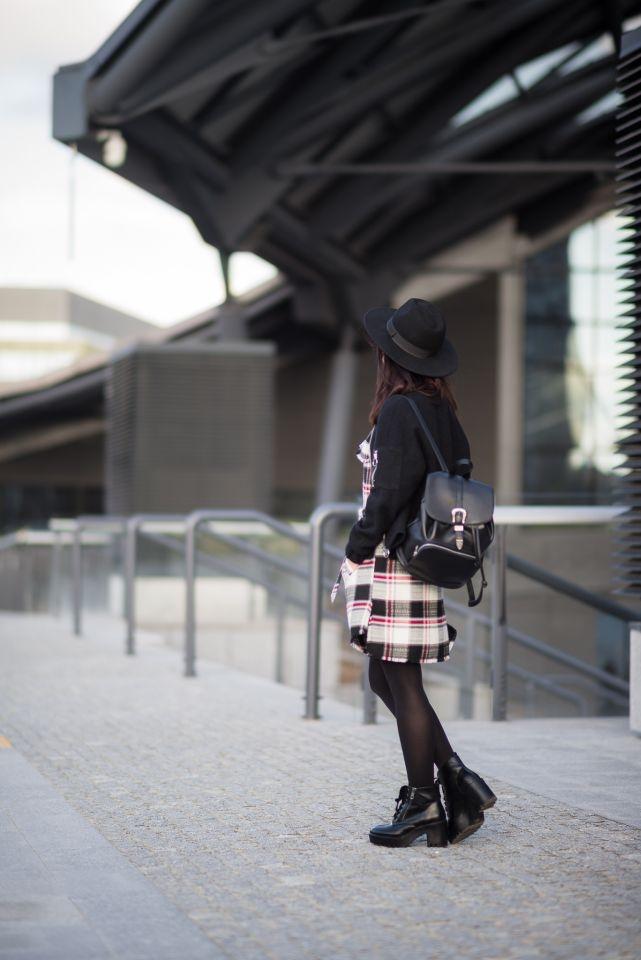 dziewczyna w kapeluszu blog modowy