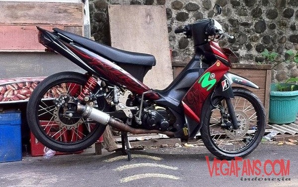 Modifikasi Vega ZR Road Race Standar Merah