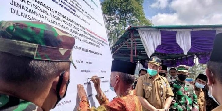 Pj Sekda Asraf Hadiri Deklarasi Bersama Penanganan Covid-19 Masyarakat Koto Tuo Kayu Aro