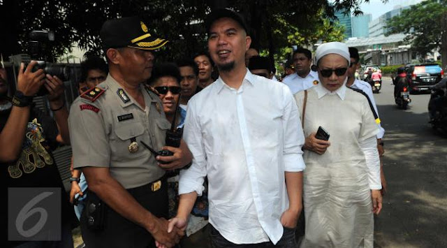 Hina Jokowi, Ahmad Dhani Dilaporkan Ke Polda