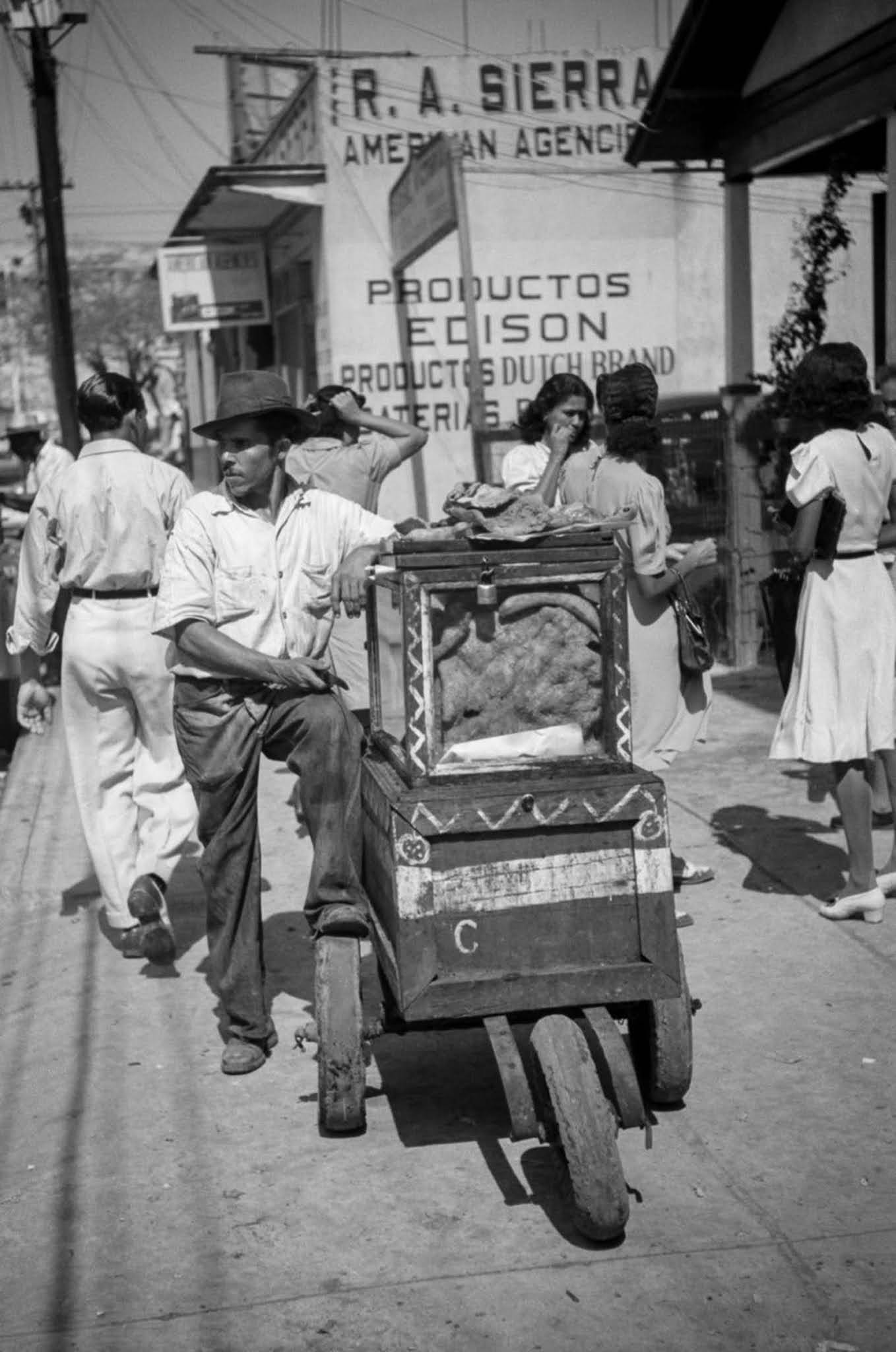A street vendor in Santurce.