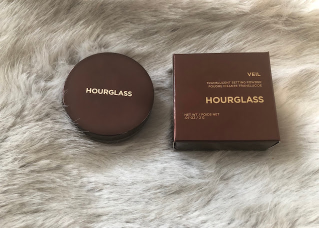 Hourglass Veil Translucent Setting Powder | bellanoirbeauty.com