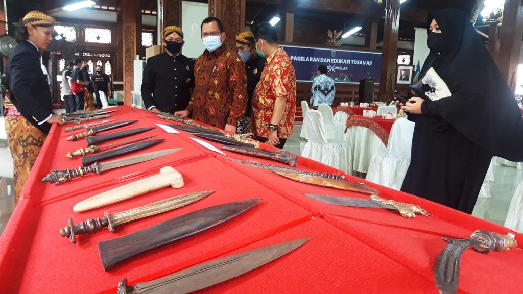 Ratusan Tosan Aji Dipamerkan di Pendopo Kabupaten Kebumen