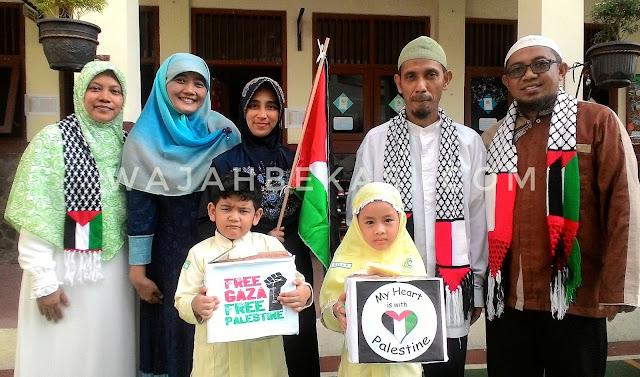 Tumbuhkan Karakter Kepedulian SDIT Thariq Bin Ziyad Gelar Aksi Munashoroh Palestina