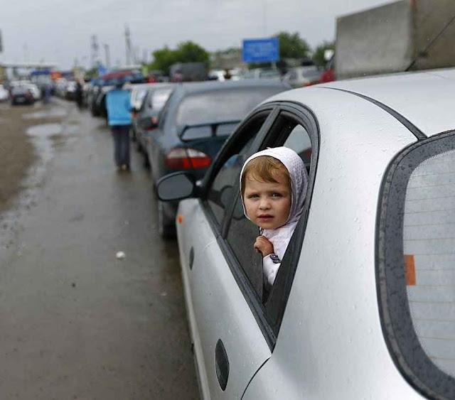 Boa parte da população de etnia russa da área secessionista da Ucrânia.voltou para Rússia