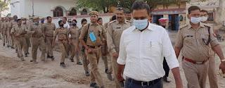 एसडीएम, सीओ ने पुलिस के साथ किया फ्लैग मार्च  | #NayaSaberaNetwork