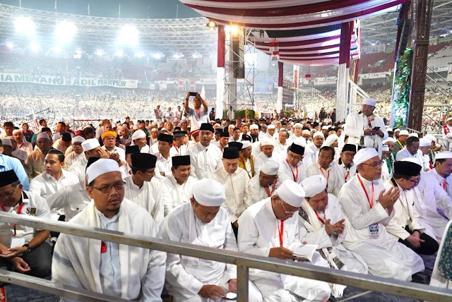 Kampanye Akbar 02, Anies-Sandi Lepas Rindu