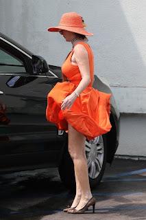 Phoebe-Price-Pantyless-shopping-at-Petco-in-Studio-City.-r7dbt9oh20.jpg