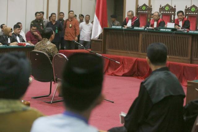 Hakim Heran, Dosen Bahasa Inggris Jadi Saksi Ahli Bahasa Indonesia di Sidang Ahok