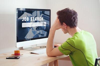 mencari-lowongan-pekerjaan