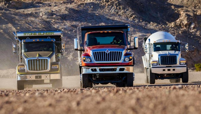 Cummins fornecerá motores para caminhões e ônibus Navistar International
