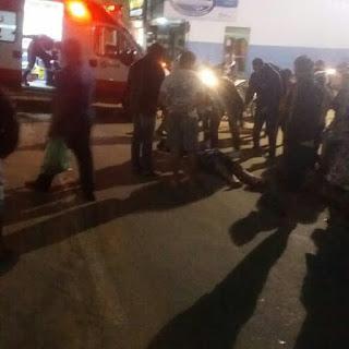 Homem que guiava moto colide com cachorro na rua 25 de Janeiro, em Cuité