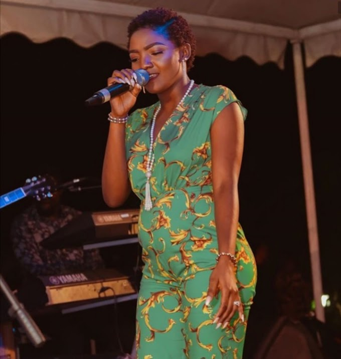 Pregnant Simi Seen With A Visible Bump On Stage (Photos)