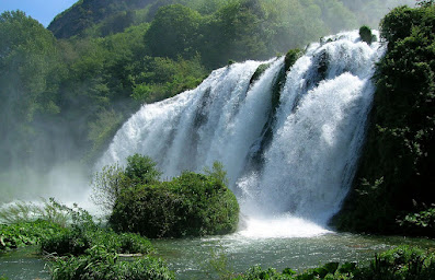 Se ti piaccciono le cascate,gli orridi e le marmitte dei Giganti...Passa di qua:)