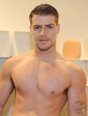 Kenneth in the (212): Ay Papi!