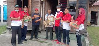 DPD PWRI Riau Berikan Bantuan Sembako Kepada Warga Desa Meskom