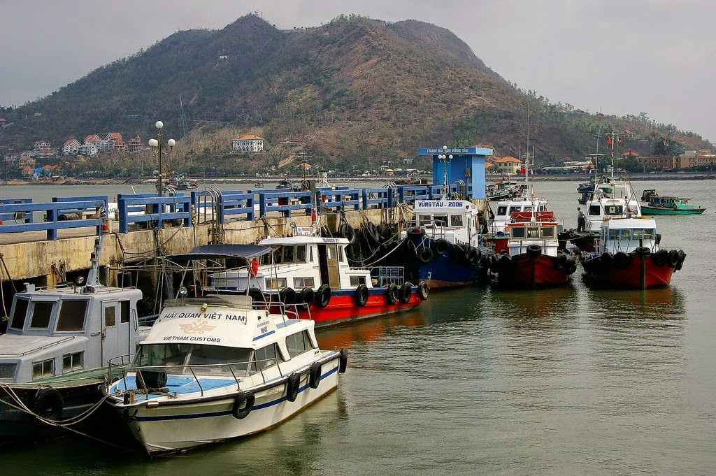 Vung Tau, a favorite beach of Southern people 15