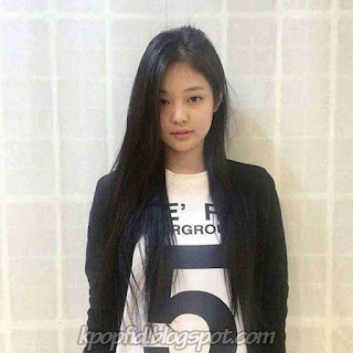 Foto Cantik Jennie Kim Black Pink tanpa Make Up