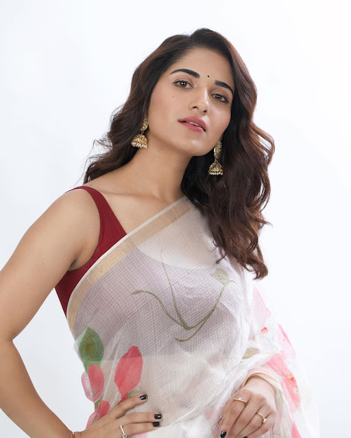 Ruhani Sharma (Indian Actress) Wiki, Biography, Age, Height, Family, Career, Awards, and Many More...