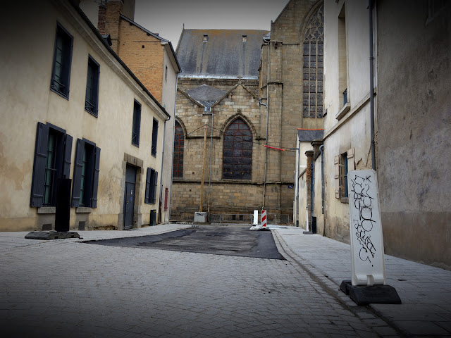 Vue sur le chœur de l'Église Saint-Germain depuis la rue de Corbin - Juin 2019 - Photo Erwan Corre