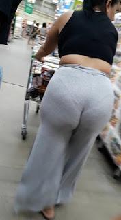 Señora muchas curvas pantalones yoga cachetero marcado