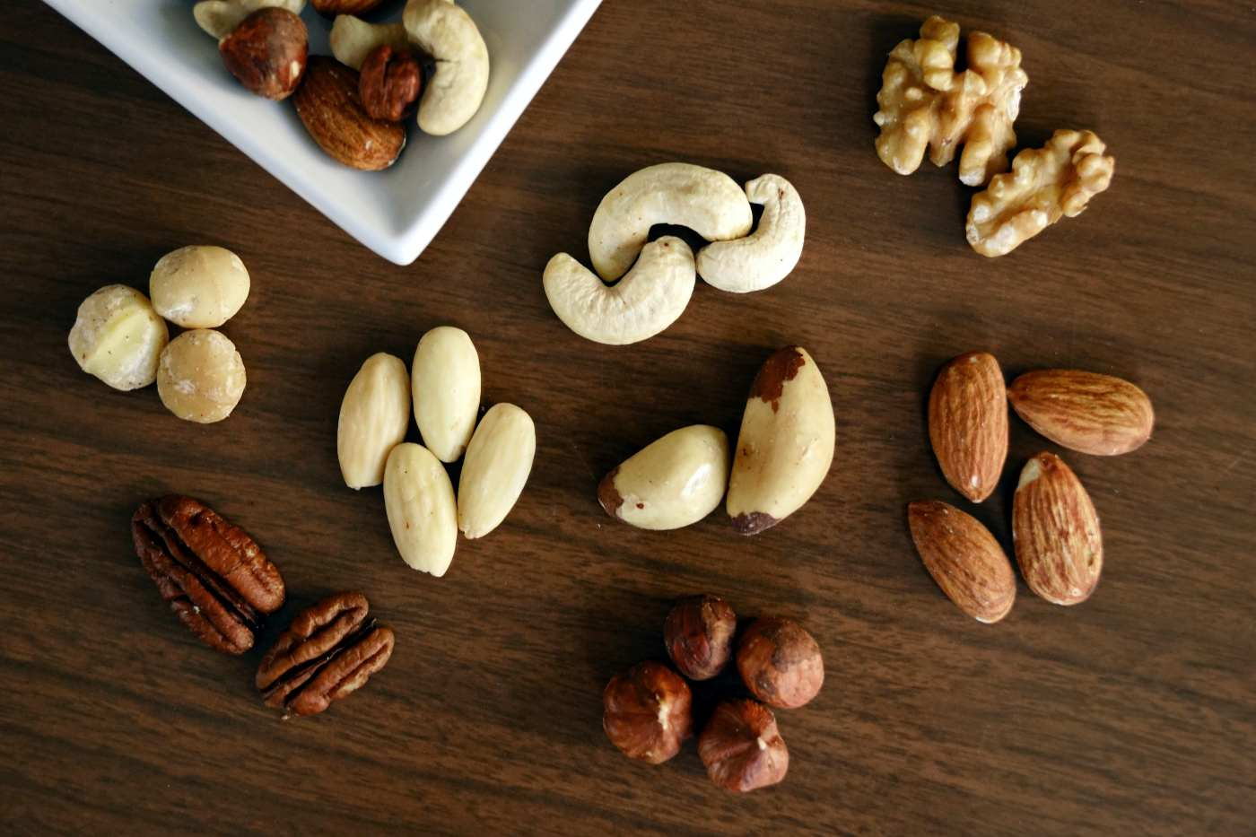almonds and nuts almonds