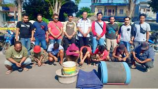 Polisi Ringkus 8 Pelaku Judi Sabung Ayam di Desa Korleko