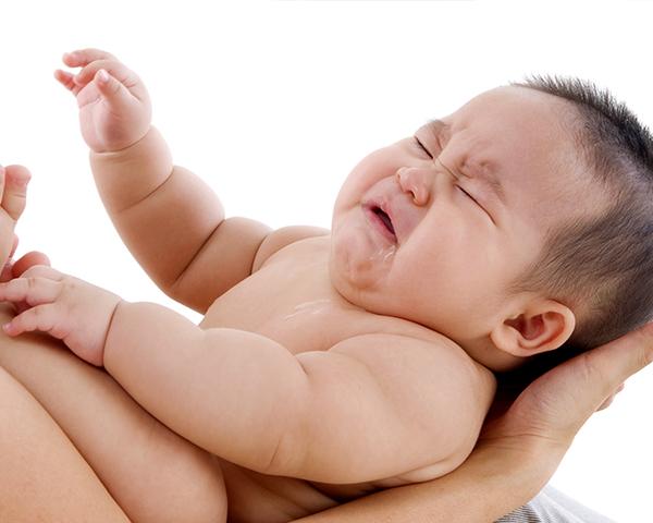 Cara Mudah Mengatasi Hidung Bayi yang Tersumbat