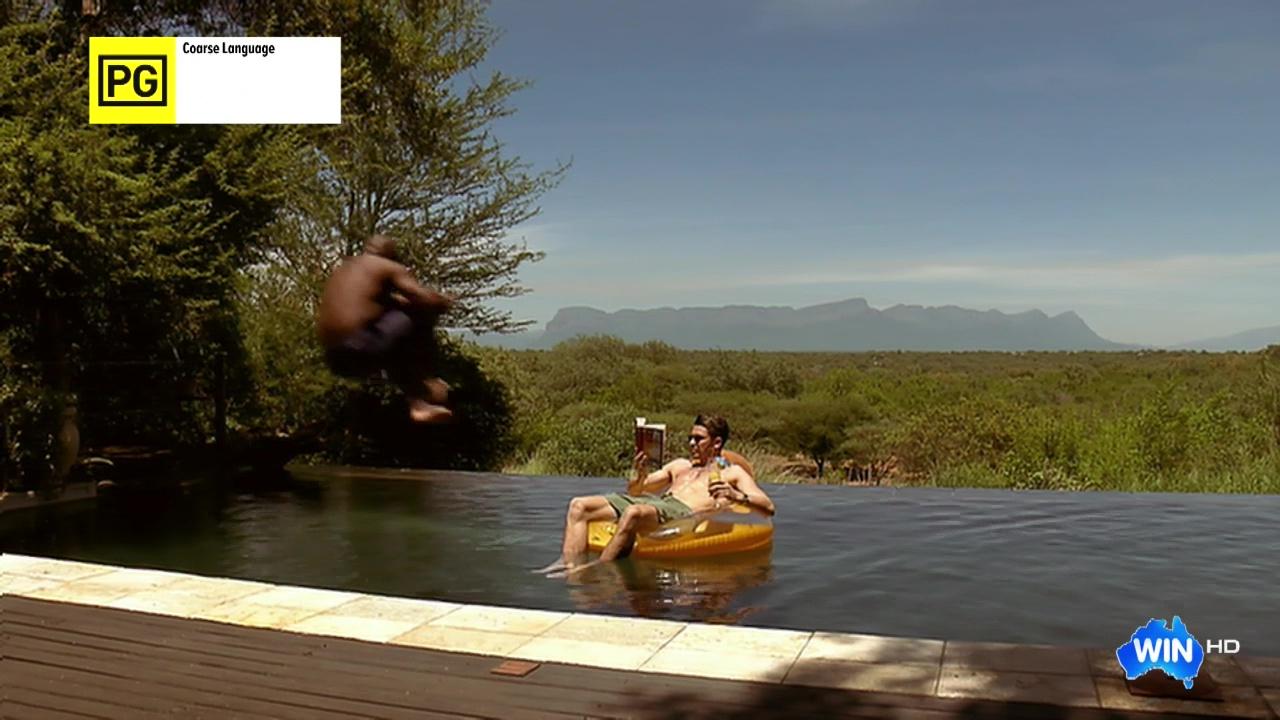 Auscaps Scott Tweedie Shirtless In Im A Celebrity -5050