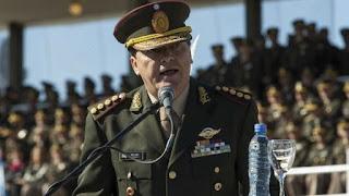 El ex jefe del Ejército durante el kirchnerismo se encuentra detenido en Ezeiza. Lo embargaron por un millón de pesos.