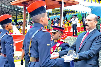 Secretary of Defense Honors Fainting Parade