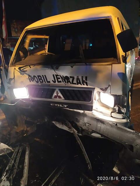 Diduga Sopir Innova Mabuk, Tabrak Iring-Iringan  Mobil Polisi