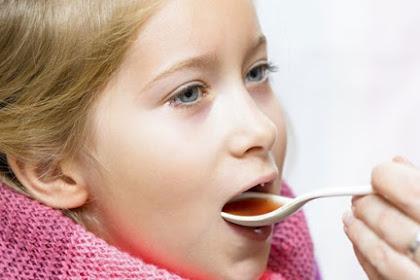 4 Tips Jitu Agar Anak Tak Takut Minum Obat