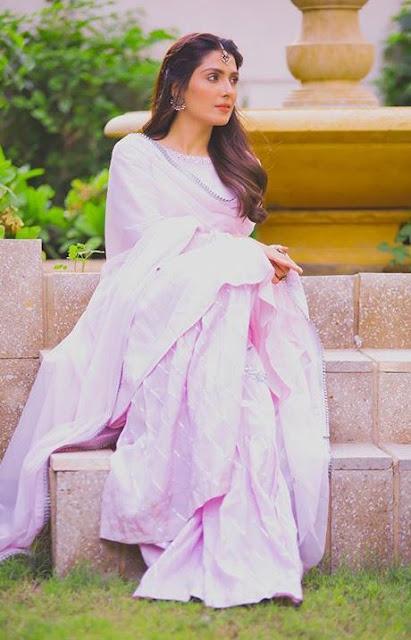 Ayeza Khan Looking Stunning in New Clicks