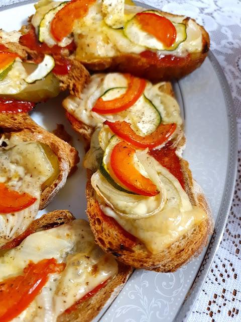 bruschetta, grzanki,z kuchni do kuchni,najlepszy blog kulinarny,kuchnia włoska, przystawka,