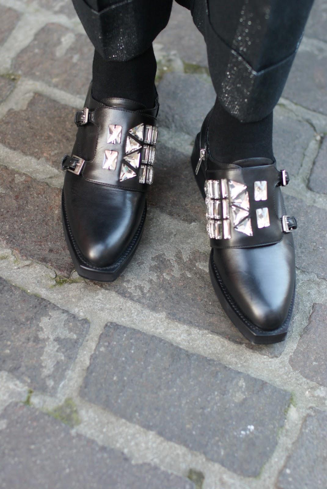 Elegant Le Silla jeweled brogues on Fashion and Cookies fashion blog, fashion blogger style