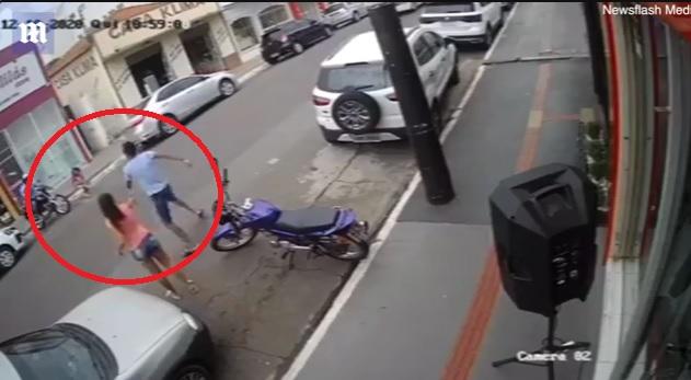 Video rrëqethëse, 15-vjeçari  shpëton motrën 3-vjeçare nga përplasja fatale