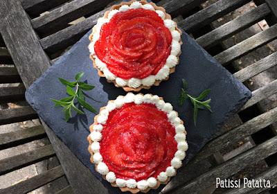 recette de tartelettes verveine citronnelle et fraises, tartelettes aux fraises, tartelettes et fraises en tourbillon, crème à la verveine citronnelle, jolies tartelettes aux fraises, cuisiner avec des feuilles de verveine citronnelle, pâtisserie maison, patissi-patatta