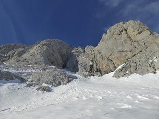 arrieta peñasanta de enol , cascade  de la derecha , espolon de los asturianos