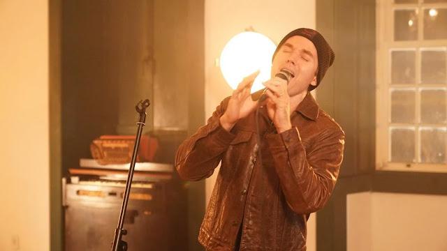 Chris Durán sobre single: 'É uma canção de adoração ao Rei'
