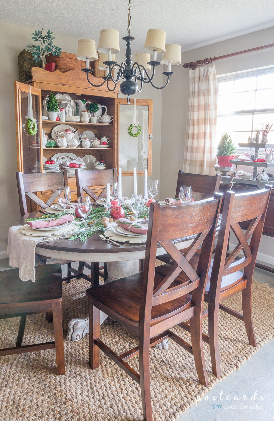 dining room decorating for Christmas