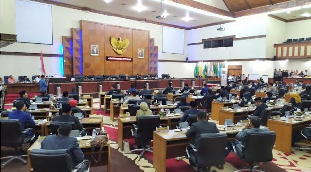 Berita Publik, Fraksi Golkar Bakal Bentuk AKD DPRA Tandingan