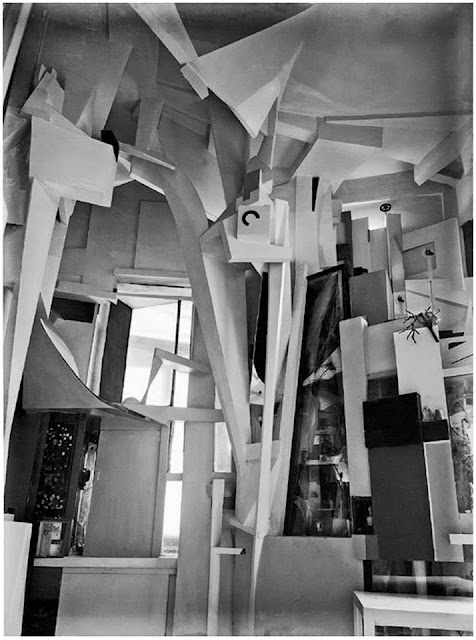 Kurt Schwitters' Cathedral of Erotic Misery (1933)