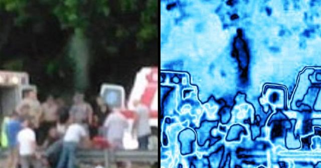Does this eerie photo show a man's soul leaving his body?  Soul%2Bspirit%2Bghost%2Bparanormal%2B%25281%2529