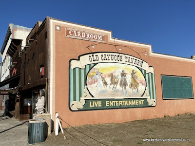 Old Cayucos Tavern mural in Cayucos, California