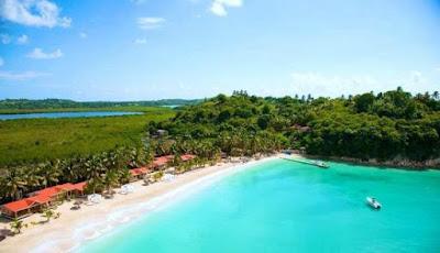Vue aérienne de l'île du Salut en Haiti