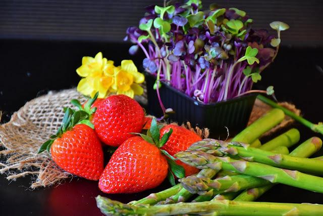 3 Makanan Meningkatkan Kesihatan Buah Pinggang Anda